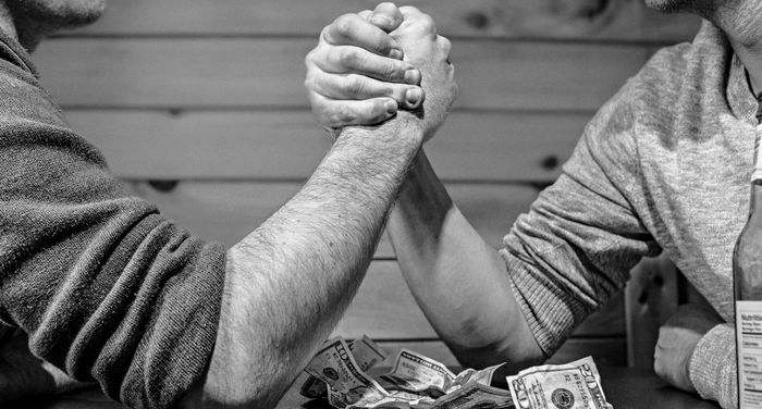 Salary negotiation for IT jobs- arm wrestle